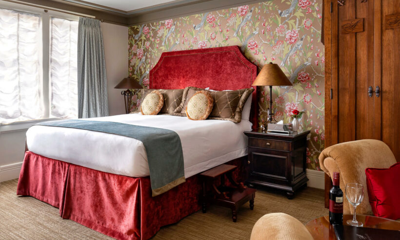 Accommodations, Abigail's Hotel